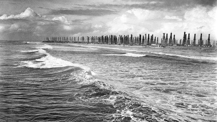 1940-huntington-beach-coastline-ca-drilling
