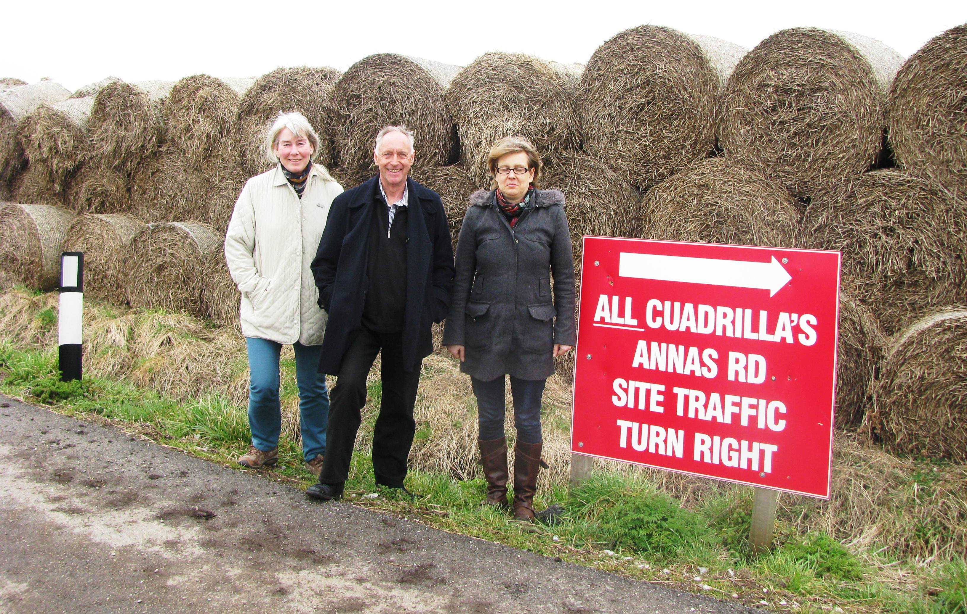 2013 03 07 Lucy Cooke Ian Roberts Jessica Ernst Straw Bales across Annas Rd at Cuadrilla frac site on Anna's Road Lancashire UK