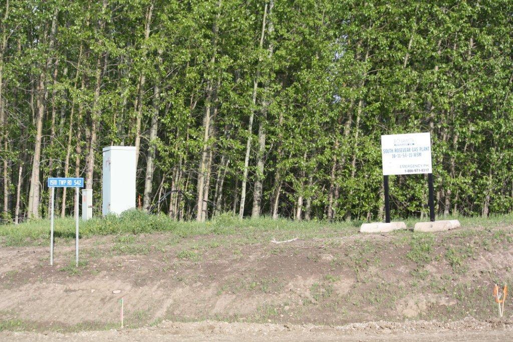 2014 Bonavista South Rosevear Gas Plant 'poisonous gas' and road signs, 16-11-54-15 W5M Acid Gas Injection, near Edson, Alberta