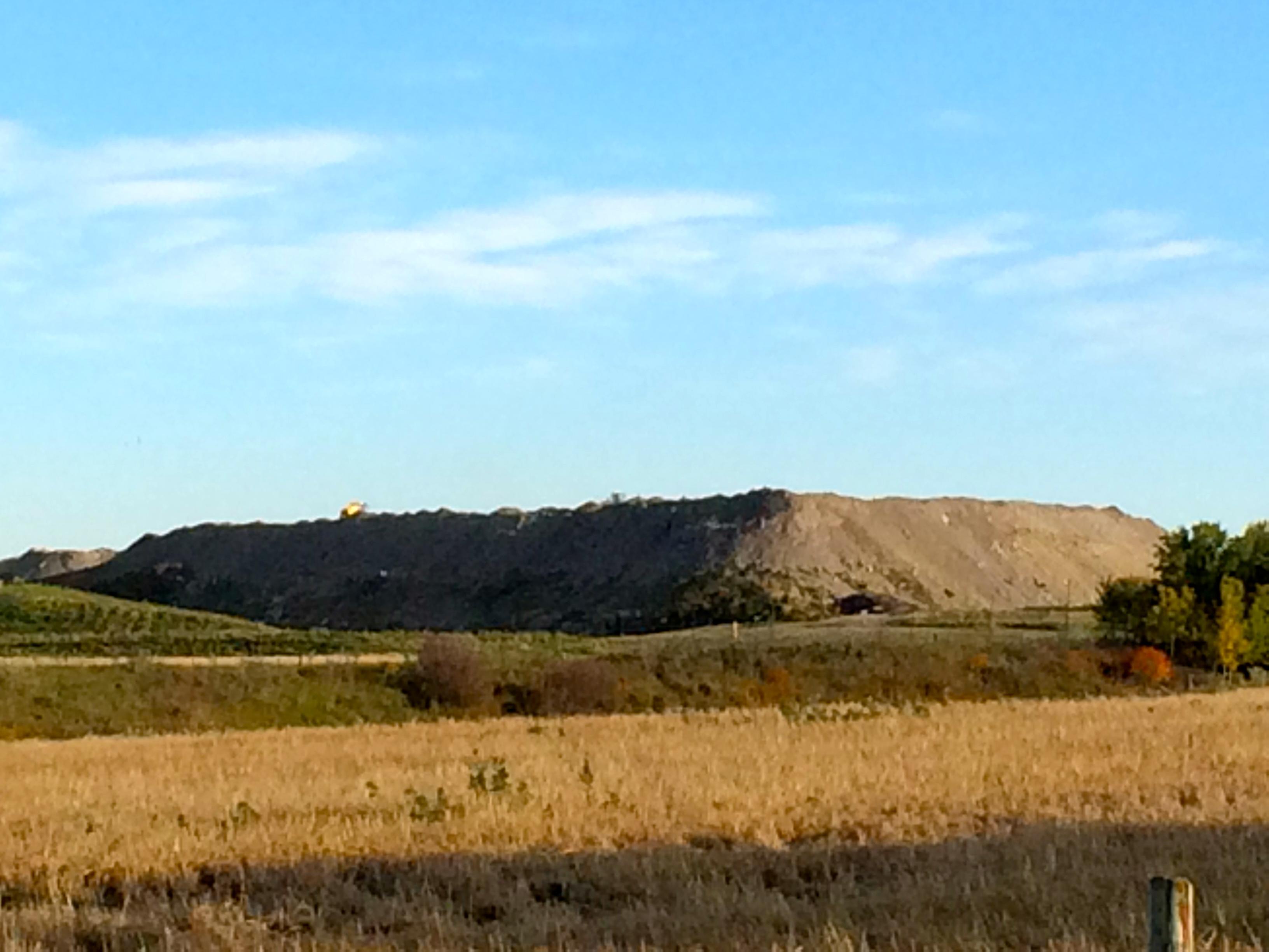 2016-09-27-toxic-oilfield-waste-pile-at-didsbury-landfill-alberta