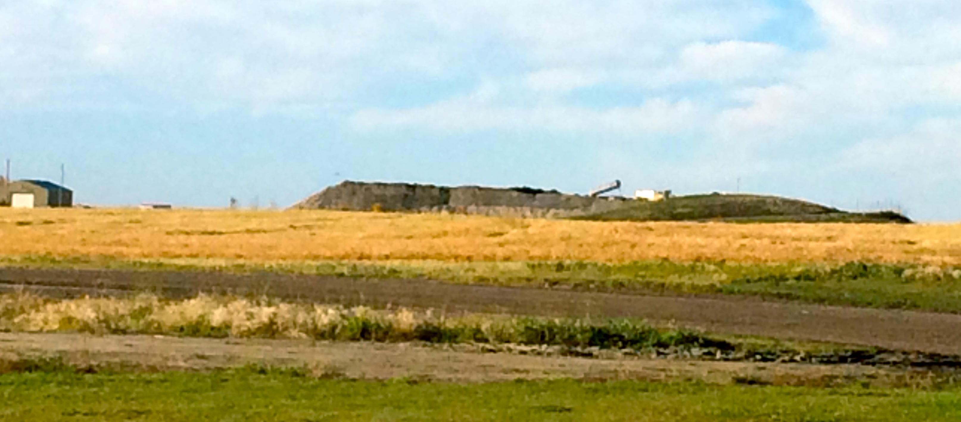 2016-09-27-toxic-oilfield-waste-piles-at-didsbury-landfill-alberta